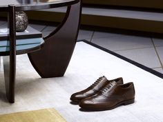 Brogues in antique calfskin with intense shades and refined English perforation. #tods #menswear #fw15