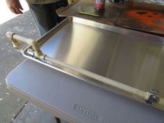 Making a Hummingbird Water and Bathing Tray Out of a Cookie Sheet Hummingbird Bird Bath, Hummingbird Nectar, Stencils, Drill Bit Sizes, Water Tray, Garden Globes, Pond Water Features, Shabby, Hard Water Stains