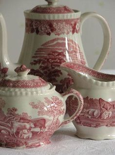 China I love transfer ware the best of all my tea things!I love transfer ware the best of all my tea things! Antique Dishes, Vintage Dishes, Antique China, Antique Glass, Vintage China, English China, Teapots And Cups, Tea Service, My Tea