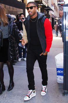 Michael B. Jordan's 'Black Panther' Press Tour Is Extremely Stylish Dazzling Document Casual Outfit Men, Stylish Mens Outfits, Men Casual, Black Men Street Fashion, Mens Fashion, Fashion Trends, Michael B. Jordan, Estilo Street, Cute Black Guys