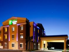 Brooksville (FL) Holiday Inn Express Hotel & Suites Brooksville-I-75 United States, North America Holiday Inn Express Hotel & Suites Brooksville-I-7 is conveniently located in the popular Brooksville area. The property features a wide range of facilities to make your stay a pleasant experience. Take advantage of the hotel's free Wi-Fi in all rooms, 24-hour front desk, facilities for disabled guests, business center, newspapers. Comfortable guestrooms ensure a good night's slee...