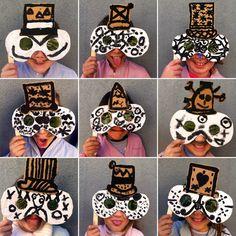 Fem Manuals: La màscara de tots