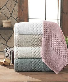 Fairfield Jacquard Three-Piece Luxury Ivory Towel Set | Daily deals for moms, babies and kids