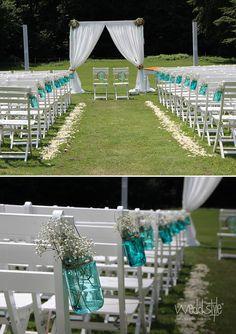 ♥♥♥ Freie Trauung mit Mason Jars / Ball Mason Gläsern und Vintage Hochzeitsdeko von Weddstyle dekoriert. http://www.weddstyle.de/vintage-hochzeit-vasen-mieten.html