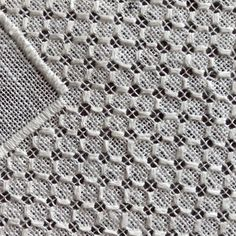 Drawn Thread, Thread Work, Hardanger Embroidery, Diy Home Crafts, Bargello, White Fabrics, Needlework, Couture, Blanket