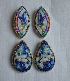 More n more pretties Bead Embroidery Patterns, Beaded Embroidery, Beading Patterns, Powwow Beadwork, Native Beadwork, Brick Stitch Earrings, Seed Bead Earrings, Beadwork Designs, Beaded Earrings Patterns