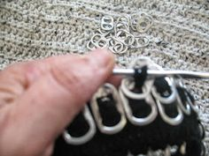 Pop Tab Crafts, Diy And Crafts, Arts And Crafts, Craft Tutorials, Diy Projects, Can Tabs, Soda Tabs, Pop Cans, Useful Life Hacks