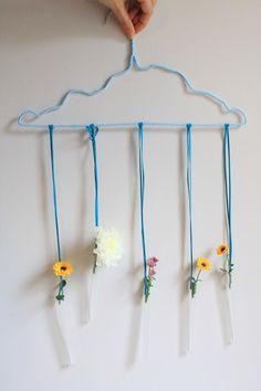 Rain cloud bringing flowers vase decoration  #DIY #rain #cloud #vase #test #tubes