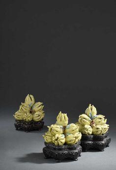Paire de pyramides de fruits en porcelaine, Chine, XIXe siècle | Vendu 4000€ le 11 mai 2016 I Daguerre