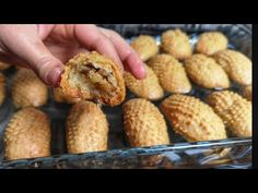 HAYATINIZDA YİYİP YİYEBİLECEĞİNİZ EN KIYIR KIYIR KALBURABASTI TARİFİ 💯 /KALBURABASTI NASIL YAPILIR - YouTube Turkish Recipes, Ethnic Recipes, Dessert Recipes, Desserts, Muffin Recipes, Baked Potato, Sweet Potato, Tea Time, Tart