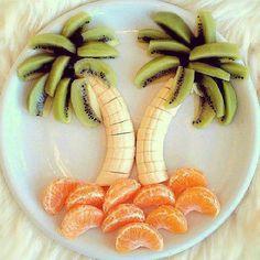 Nicht nur eine tolle Idee für den Kindergeburtstag. Palmen aus Kiwi, Banane und Mandarine