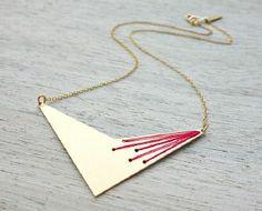 boucles d'oreilles Véra triangle rose doré de Shlomit Ofir