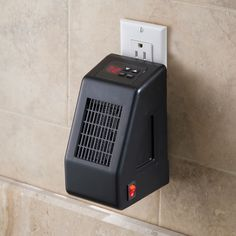 heats a room 10 x 25 (250 sq ft.) and also has a timer that can be set to turn the heater on automatically!!! The Wall Outlet Space Heater - Hammacher Schlemmer
