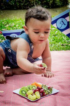 Oiii gente novidade no pedaço...     Bom, a maioria já conhece o ensaio { Smash the Cake }  aquele que se faz com bebês em torno de 11 mes...