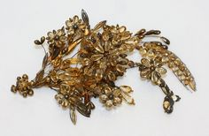 ca. 1830 | The Met Victorian Jewelry, Antique Jewelry, Victorian Hair, Victorian Steampunk, 1800s Fashion, Victorian Fashion, Women's Fashion, Fashion Accessories, Hair Accessories
