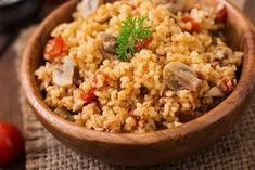 Trying to eat healthy? Research says: plate or bowl? How To Build a Healthy in 5 easy layers. Good Carbs, Healthy Carbs, Healthy Eating, Clean Eating Recipes, Diet Recipes, Healthy Recipes, Couscous Recipes, Nutritious Meals, No Cook Meals