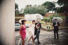 bride rain wedding. Dos en la Pasarela: bodas