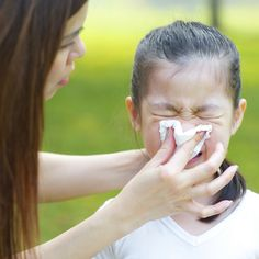 With warmer Spring weather bringing plants and flowers back to life, you may find your child's allergies waking up too. So, what can you do to alleviate runny Spring Allergies, Kids Allergies, Pollen Allergies, Seasonal Allergies, Essential Oils For Babies, Essential Oils For Headaches, Childhood Asthma, Asthma Relief, Asthma Symptoms