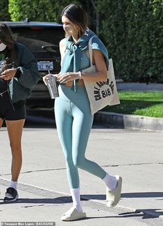Cute Workout Outfits, Cute Swag Outfits, Cute Comfy Outfits, Sport Outfits, Yoga Outfits, Kendall Jenner Workout, Kendall Jenner Body, Kendall Jenner Outfits, Ciabatta