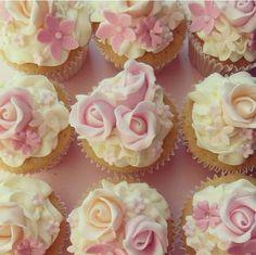Pink Rose #weddingcupcakes