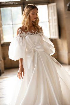 Colored Wedding Dresses, Dream Wedding Dresses, Bridal Dresses, Wedding Gowns, Luxury Wedding Dress, Lace Wedding, Elegant Dresses, Beautiful Dresses, Unusual Dresses
