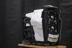 Black and white , another modern case-mod master piece by TantricmodZ PC Casemodding
