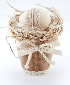 Easter Egg in Decorative Burlap Basket, Easter Ornament, Cottage Chic Decor, Pastel Color Home Decor Mais Easter Projects, Easter Crafts, Easter Decor, Vasos Vintage, Burlap Crafts, Coloring Easter Eggs, Egg Art, Easter Holidays, Egg Decorating