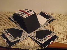 Con capacidad para hochzeits hermosa explosión cuadro de foto, 54 fotos y etiquetas para las solicitudes o más fotos. hasta posible 176 fotos /. Grande 15x15х15 cm / 6 x 6 off foto real y negro papel 300 gr. Perl guts cartón y perlas. Este modelo se puede hacer en otros colores bajo petición. Cada pieza es única. Los colores dependen de los clientes. Pida más, póngase en contacto conmigo personal. Más fotos están disponibles en el siguiente enlace…