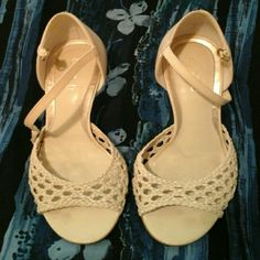 Dillard's  Michelle  D leather  upper  shoes These  are  in  used  but good  Condition  comfortable  to wear  in my opinion  anyway Michelle  D Shoes