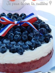 Dessert glacé pour 14 Juillet : fraises, framboises et myrtilles pour un gâteau bleu blanc rouge