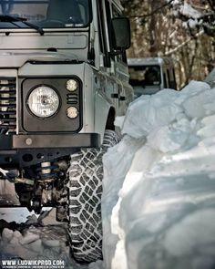Land Rover Defender 110 TD5 Snowing.