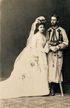 Wedding of Infanta Maria Das Neves of Portugal with Infante Alfonso Carlos of Borbon, Duke of San Jaime. Portugal, Portuguese Royal Family, Vintage Wedding Photos, Vintage Weddings, Don Carlos, Maria Theresa, Royals, Royal Queen, European History