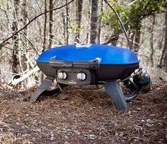 For campers and adventurers alike, who said that cooking out in the wild can't be as good as the best Steakhouse? With this portable BBQ you'll be able to cook plenty of steaks, burgers and chicken while enjoying the tranquility outdoors.