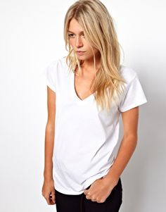 ASOS T-Shirt with V Neck $16.96 Small in Black and White