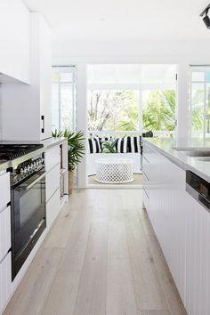 Home Decor Kitchen .Home Decor Kitchen White Galley Kitchens, Modern Farmhouse Kitchens, Home Kitchens, Modern Kitchen Design, Interior Design Kitchen, Simple Modern Interior, Stylish Interior, Kitchen Contemporary, Küchen Design