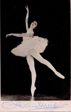 Signed photo of Alicia Markova.