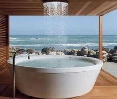 cool tub/shower.. o.m.g.. please?!