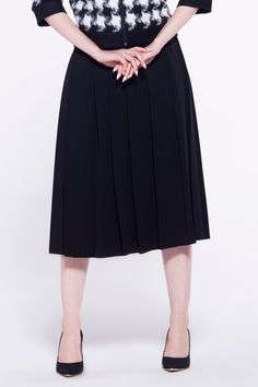 furellefashion #skirt #kneelength #classic #black #autumn