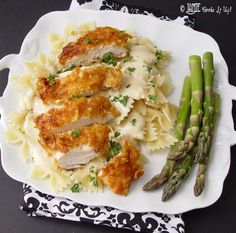 Crispy Chicken with Creamy Italian Sauce and Bowtie Pasta. Um yummy!! - Click image to find more popular food & drink Pinterest pins