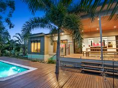 The design for this renovation and extension in Seventeen Mile Rocks includes an improved streetscape & pool entertainment area at the rear of the home. Australian Architecture, Australian Homes, Outdoor Spa, Outdoor Areas, Above Ground Pool, In Ground Pools, Container Pool, Wooden Decks, Outdoor Entertaining
