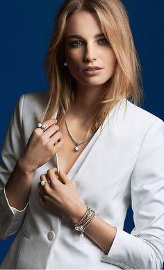 White classic blazer #whiteonwhite #style #PANDORAloves pearls and leather bracelets