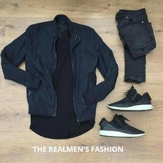 super popular c19e8 f4504 Black t-shirt with dark Navy blue jacket and shoes great range  mustry Moda