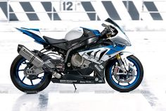 BMW S1000RR HP4. All details here: http://www.iamabiker.com/motorcycle-news-desk/2012/bmw-s1000rr-hp4-all-details/