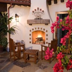 Spanish Style Outdoor Fireplace Beautiful Homes Design Mexican Style Homes, Hacienda Style Homes, Spanish Style Homes, Spanish House, Spanish Colonial, Spanish Tile, Spanish Revival, Spanish Patio, Spanish Bungalow