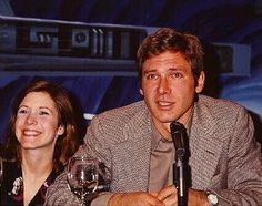 Carrie and Harrison in some Star Wars painel. Carrie Fisher Harrison Ford, Carrie Frances Fisher, Star Wars Cast, Star Trek, Han And Leia, Episode Iv, Star War 3, Mark Hamill, Love Stars