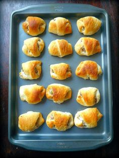 This recipe for Easy to make Sausage & Cream Cheese Crescents has floated around the South for years. I got it from my Sister-in-law Angie the day of my niece Katelynn's wedding. Cream Cheese Crescent Rolls, Crescent Roll Dough, Crescent Roll Recipes, Sausage Crescent Rolls, Brunch Recipes, Appetizer Recipes, Breakfast Recipes, Breakfast Ideas, Brunch Foods