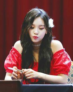 Extended Play, South Korean Girls, Korean Girl Groups, Kim Ye Won, Gfriend Sowon, G Friend, Kpop, Girl Bands, Cute Icons