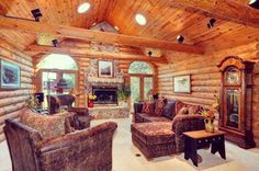 We think @justinjames99's Wisconsin log home is the perfect place to watch #SuperBowl50!