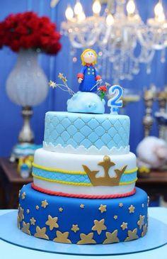 Bolo o pequeno príncipe.  Visitem meu perfil está recheado de idéias de festas infantis, chá de bebê, e muito mais.