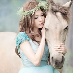 Preview wallpaper girl, asian, horse, wreath, mood, love 128x128